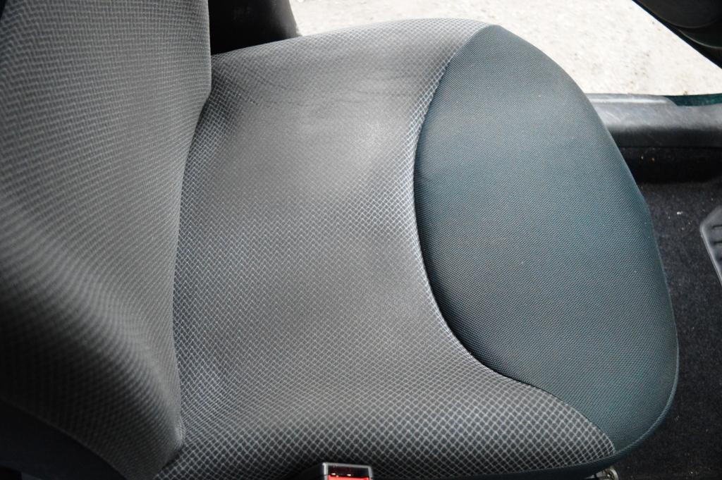 yaris sedile anteriore dopo.JPG